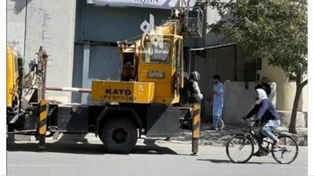"""塔利班将妇女事务部换成""""劝善惩恶部"""",女员工被禁止进入"""