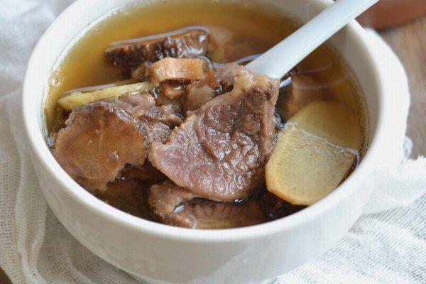 生姜汤怎么做,12道锋味复刻--当归羊肉生姜汤的做法步骤