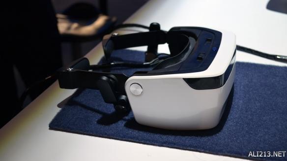 vr耳机,松下220度超宽视野VR眼镜体验!竟然还有骨传导耳机