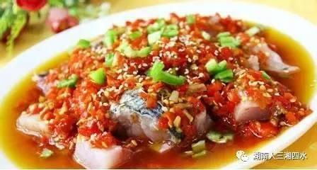 剁椒鱼的做法,湘菜:剁椒鱼