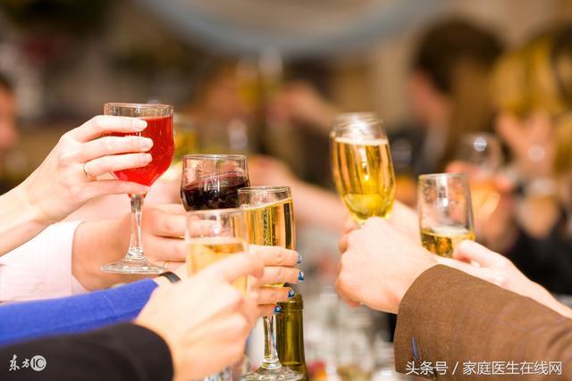 喝醉了怎么解酒最快,常喝酒的人总结:这8个解酒方法,让我千杯不醉!