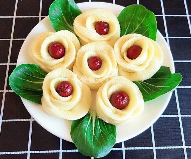 枣花馒头的做法花样图片,花样美食——枣花馒头,这个做法有点简单啊!
