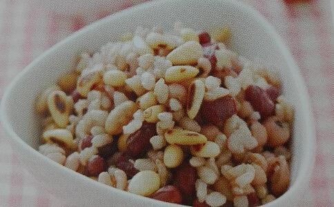 豆饭的做法,产后月子食谱 紫米豆饭