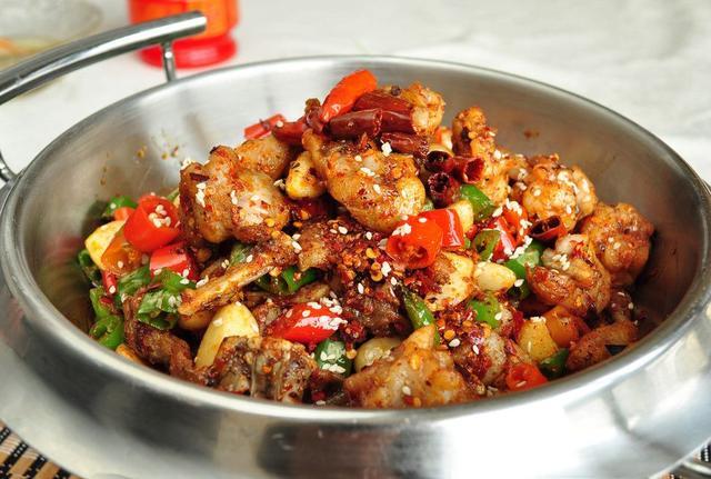 干锅怎么做,10道吃不腻的干锅做法,家里有喜欢吃干锅的一定要收藏起来