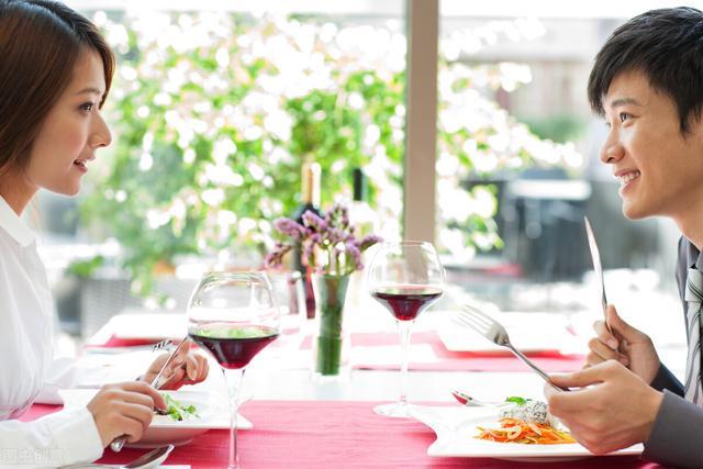 跟女生聊天的话题,恋爱时,和女生聊天的10大话题—美食