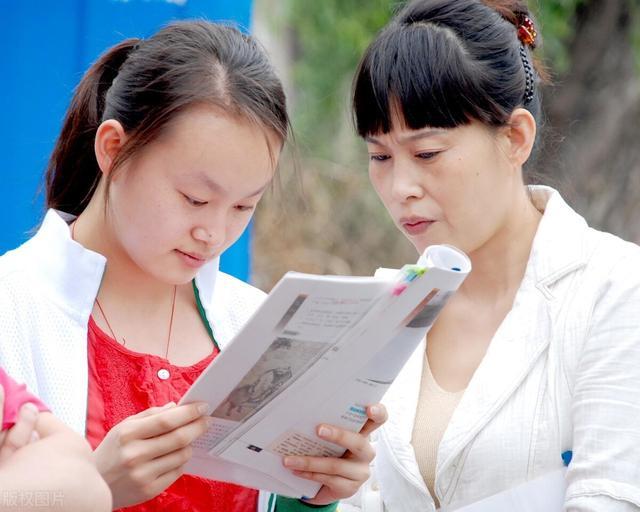 文科有哪些科目,文科生可以报考的大学有哪些?哪些大学最适合文科生报考?
