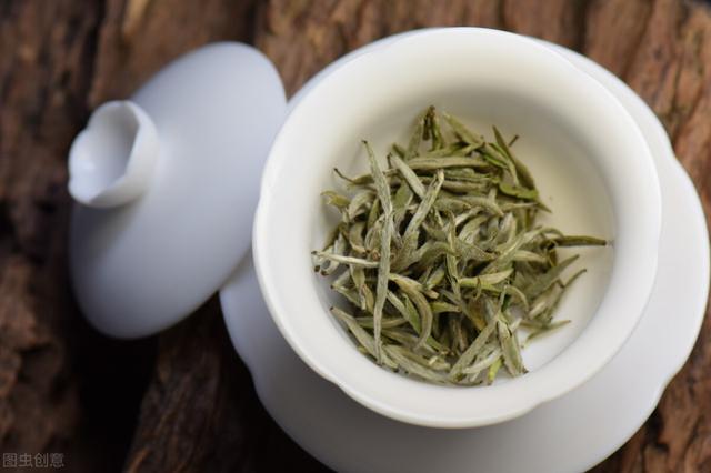 白茶有哪些,白茶有哪些种类?白毫银针、白牡丹、寿眉?详细解说