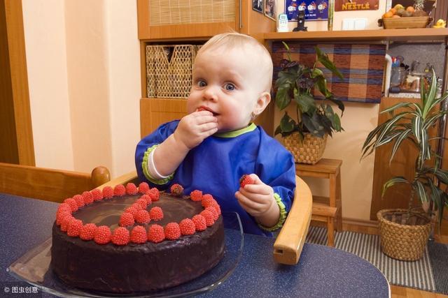 宝宝周岁生日祝福语,给孩子过周岁生日,你的做法对了吗?