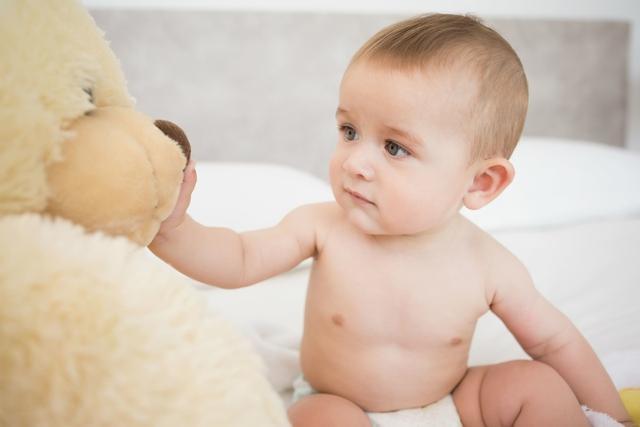 婴儿保险,和30多位妈妈沟通后,推荐为宝宝购买这4类保险!新手父母必看