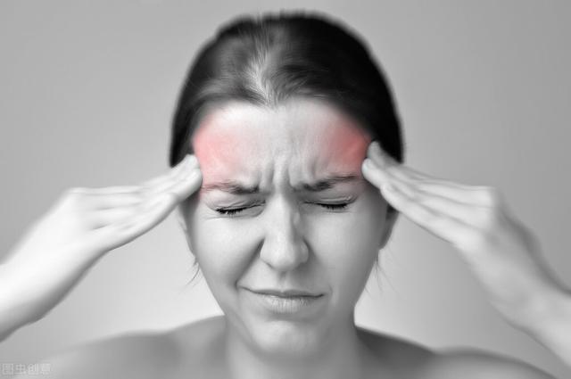 头疼怎么样可以缓解,经常偏头痛?杜绝这4个诱因,快速缓解有1妙招,别再苦苦忍耐了