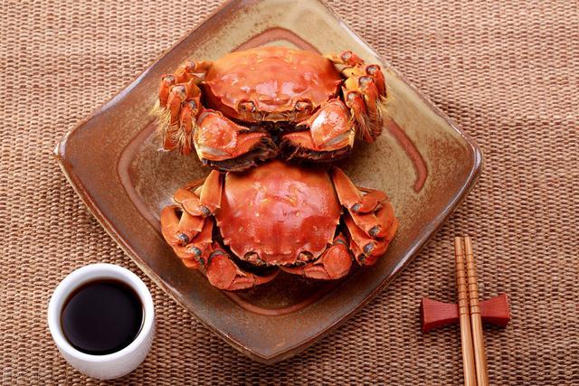 清蒸大闸蟹的做法步骤,大闸蟹,用开水蒸还是冷水蒸?分享正确的方法,蟹肉又鲜又嫩