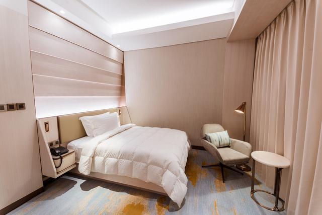 小卧室装修效果图,设计师不会跟你说,小户型卧室这样装,最美最省钱