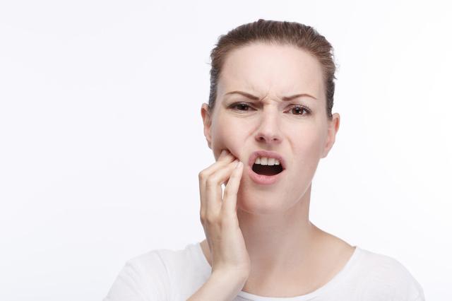 牙龈肿痛怎么快速消肿,牙龈肿痛怎么办?教你5招快速消肿