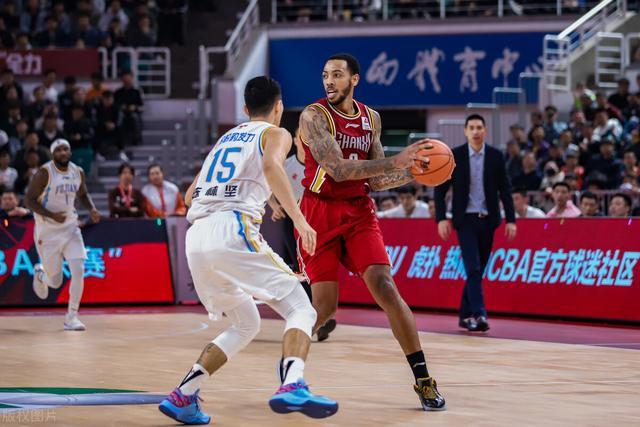 篮球技巧,新人小技巧,篮球比赛基本规则,掌握这些你将是球场上的精英