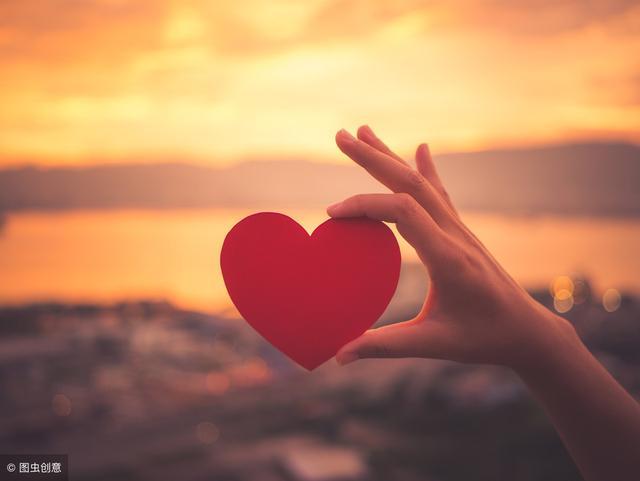 爱情的短句,关于爱情的经典短句,暖心高甜,让你看一眼就沦陷!