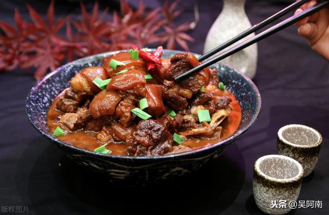 羊肉炖萝卜的做法,教你红烧羊肉炖萝卜的做法,去除膻味有诀窍,羊肉软烂萝卜入味
