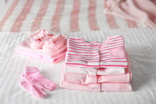 婴儿睡衣,1岁以内的宝宝衣服怎么买?9个月以来,宝妈整理了这些经验