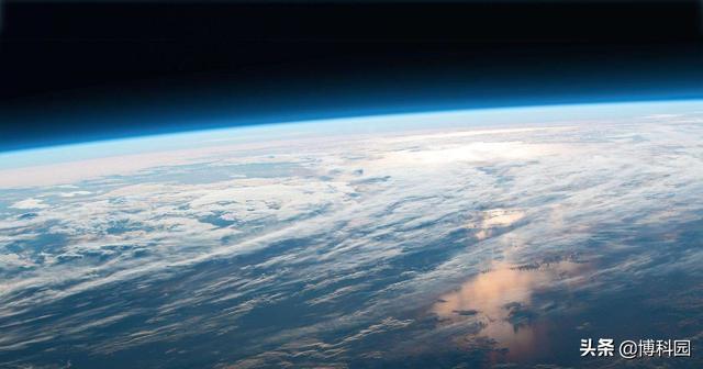 光合作用的意义,为什么大气的氧化作用,比释放氧气的光合作用发生晚很多?