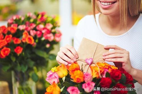 老师新年贺卡祝福语,如果你的送花对象是老师,卡片祝福语这样写更有心意!