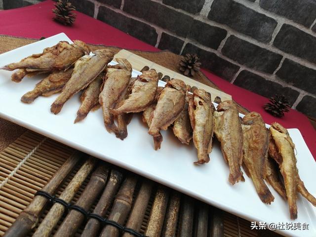 炸黄花鱼的做法,炸黄花鱼怎么做,不腥入味好吃的秘密全在这里,轻松学会