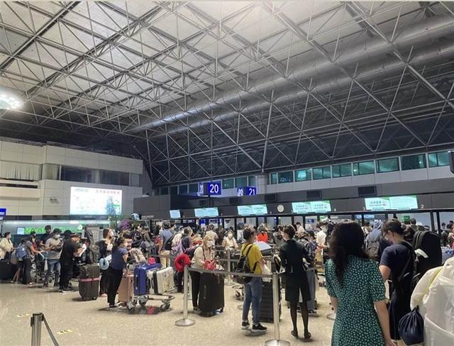 """台湾机场出现""""逃亡潮"""",学者:赴陆者不亚于赴美 全球新闻风头榜 第1张"""
