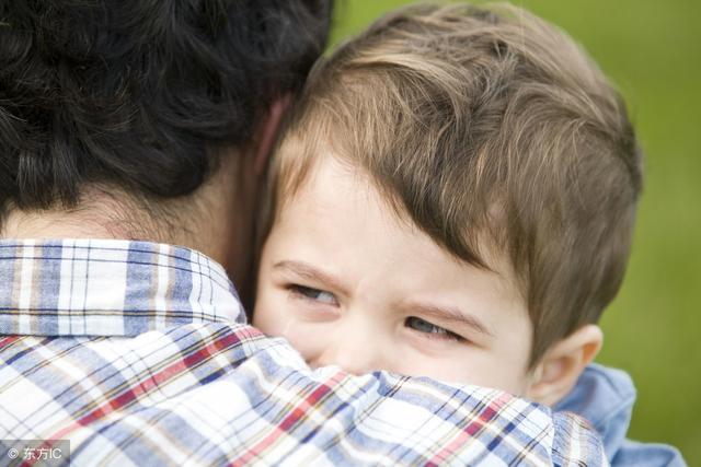 单亲孩子的痛苦短句,我该如何抚慰你,单亲家庭里的孩子……