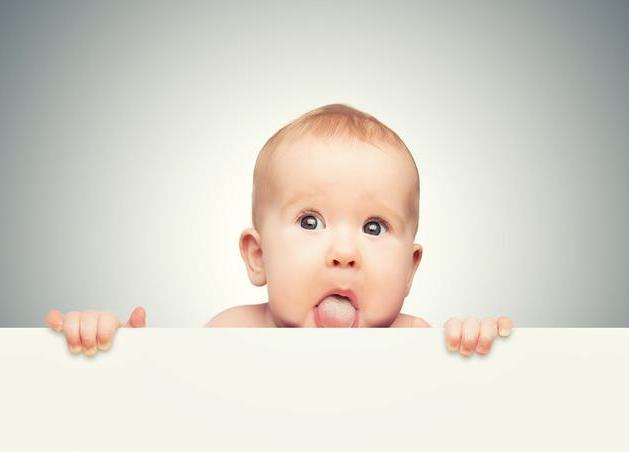 婴儿舌苔厚白是怎么回事,孩子舌苔厚白是什么原因造成的呢?