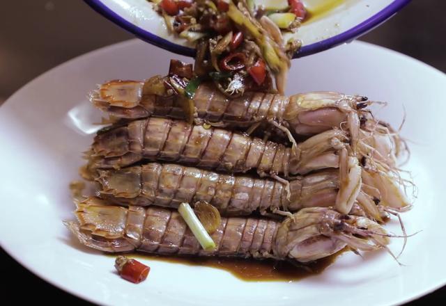 皮皮虾的吃法,皮皮虾别再水煮了,这才是正确吃虾的方法,很多人都做错了