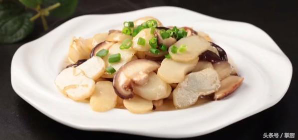马蹄的吃法,荸荠的正确吃法,搭配上这个食材又香又脆,太美味了