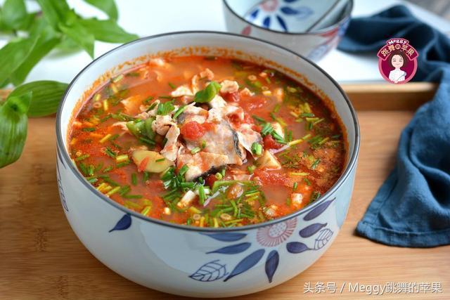 泡姜的吃法,自制泡姜煮鱼汤,全家都爱吃,鱼吃光了,汤也一滴没剩下!