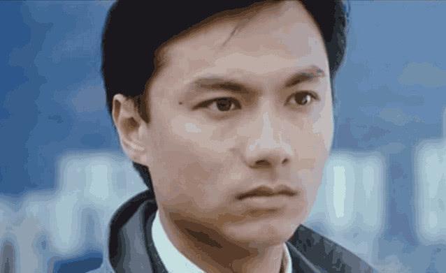 一本漫画闯天涯,林俊贤近照,身价上亿却要息影从商,败光所有积蓄住三千月租民房