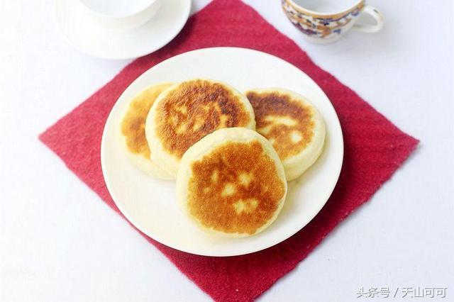 月饼的吃法,这才是剩月饼最正确吃法,软乎乎又香甜,吃一口满嘴生香
