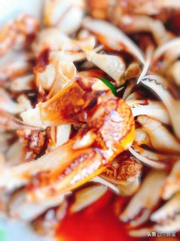 螃蟹腿的吃法,谁说小蟹腿没有肉不好吃?这种方式制作保准是一道绝味的就酒菜
