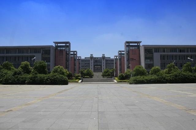 """江苏二本大学有哪些学校,江苏最好的两所""""二本学院"""",实力强知名度高,其中一所位于南京"""