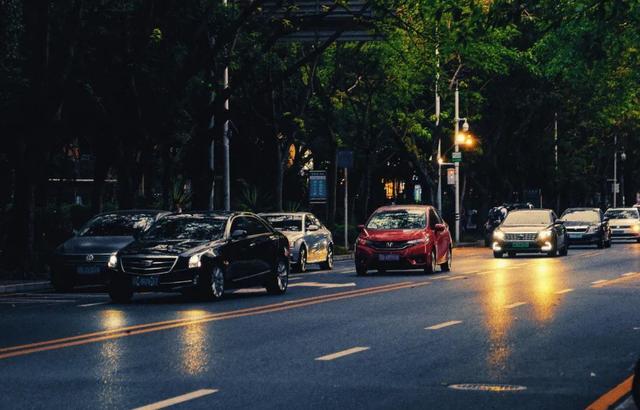 平均数的意义,深圳人的工资都过万了?
