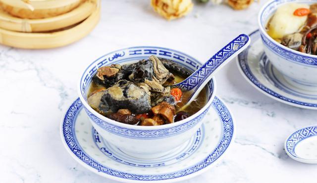 乌鸡汤的做法,天冷了,多喝这山药乌鸡汤,鲜香美味又滋补养生