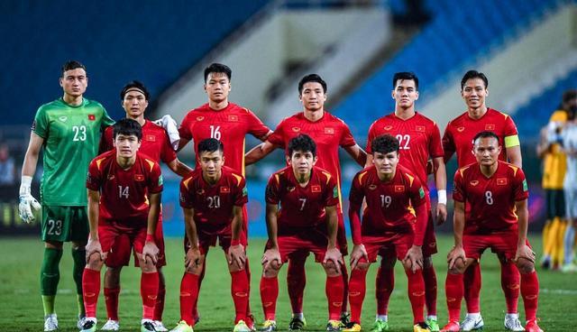 国足球迷开始慌了!张玉宁的发言引热议,范志毅的预言恐成真了 全球新闻风头榜 第2张