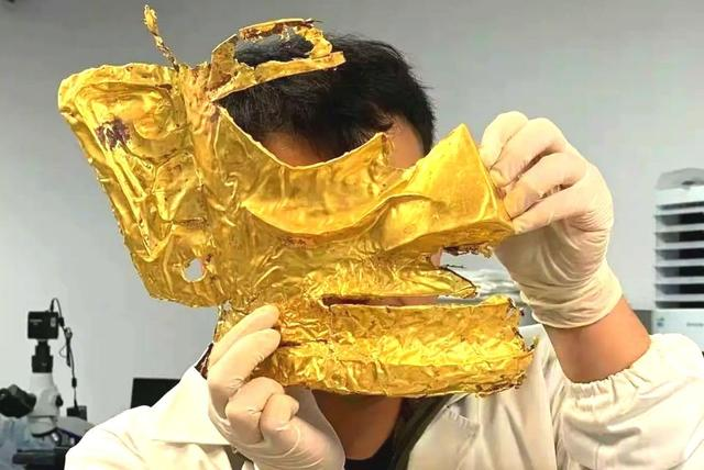 三星堆人到5000年前,要想制成金子面具,最先要明白开采技术