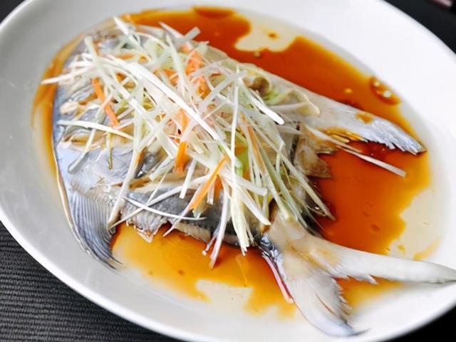 清蒸鱼的做法,正宗清蒸平鱼的做法