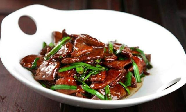 羊肝的做法,家常菜——韭菜炒羊肝做法
