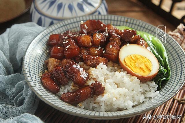 卤肉饭的做法,想吃卤肉饭在家就能做,肥而不腻,汤汁拌饭都能吃三碗,太香了