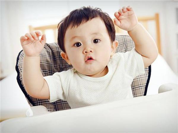 婴儿辅食添加,超实用宝宝喂养小知识,赶紧收藏