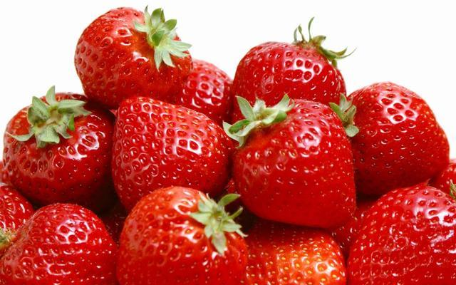 蓝莓的吃法,草莓5种最好吃的做法,简单美味又馋人,看看你喜欢吃哪种?