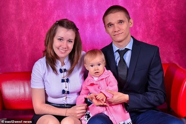 俄罗斯嫉妒丈夫:妻子提出离婚后带娃从九楼跳下,怀疑妻子新恋情 全球新闻风头榜 第1张