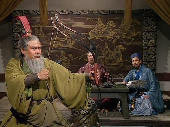 黄忠简介,正史中,黄忠的表现到底如何?年轻时是否勇猛无敌?