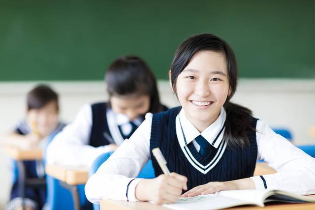 高中语文:晨读晚背知识点手册,每天记忆5分钟,120+不用愁
