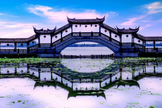 经典名言短句,中华五千年文化积淀,这10句震撼人心的名言,全是经典,一定要读!