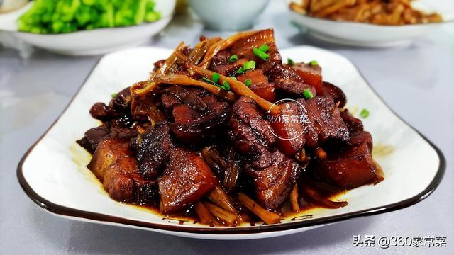 黄花菜的做法,干黄花菜烧五花肉,做法简单又便捷,好吃不油腻