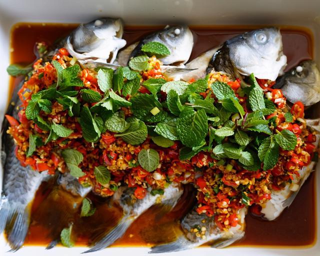 鲫鱼的吃法,鲫鱼最好吃的10种做法,舌头要被鲜掉了,吃货们都爱
