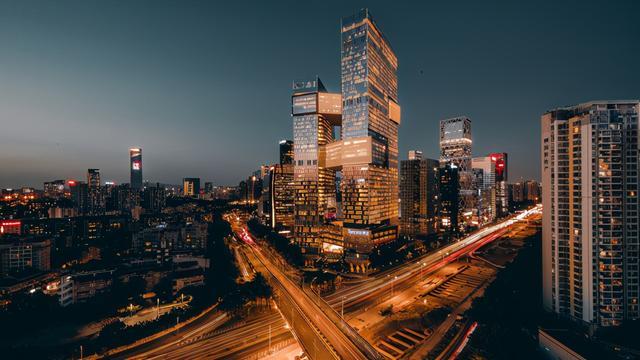 """对我国17个关键经济发展强市的""""硬实力""""开展点评(京沪线深稳"""